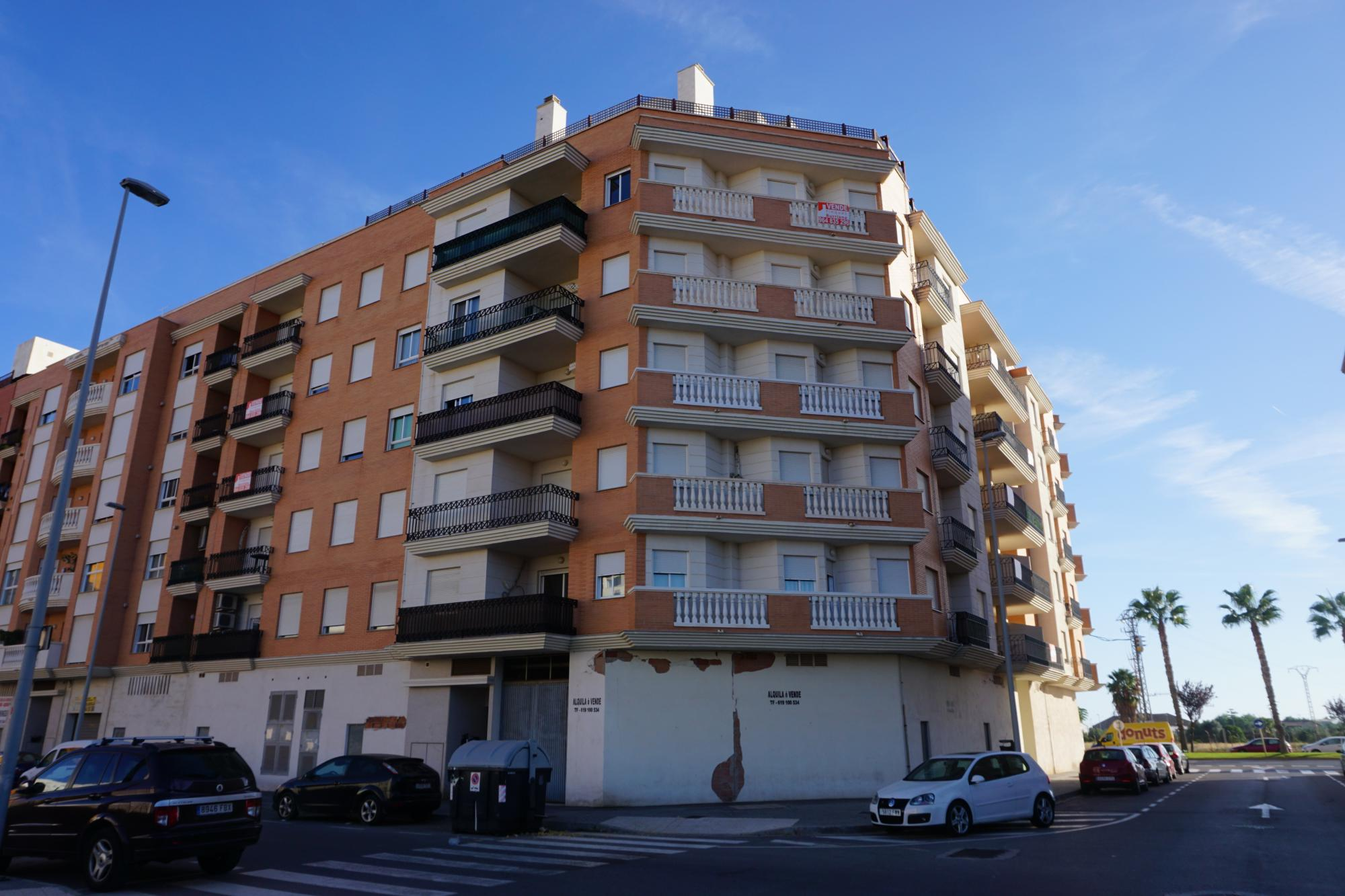 PROMOCIÓN viviendas seminuevas en Burriana (Castellón) zona LLOMBAI