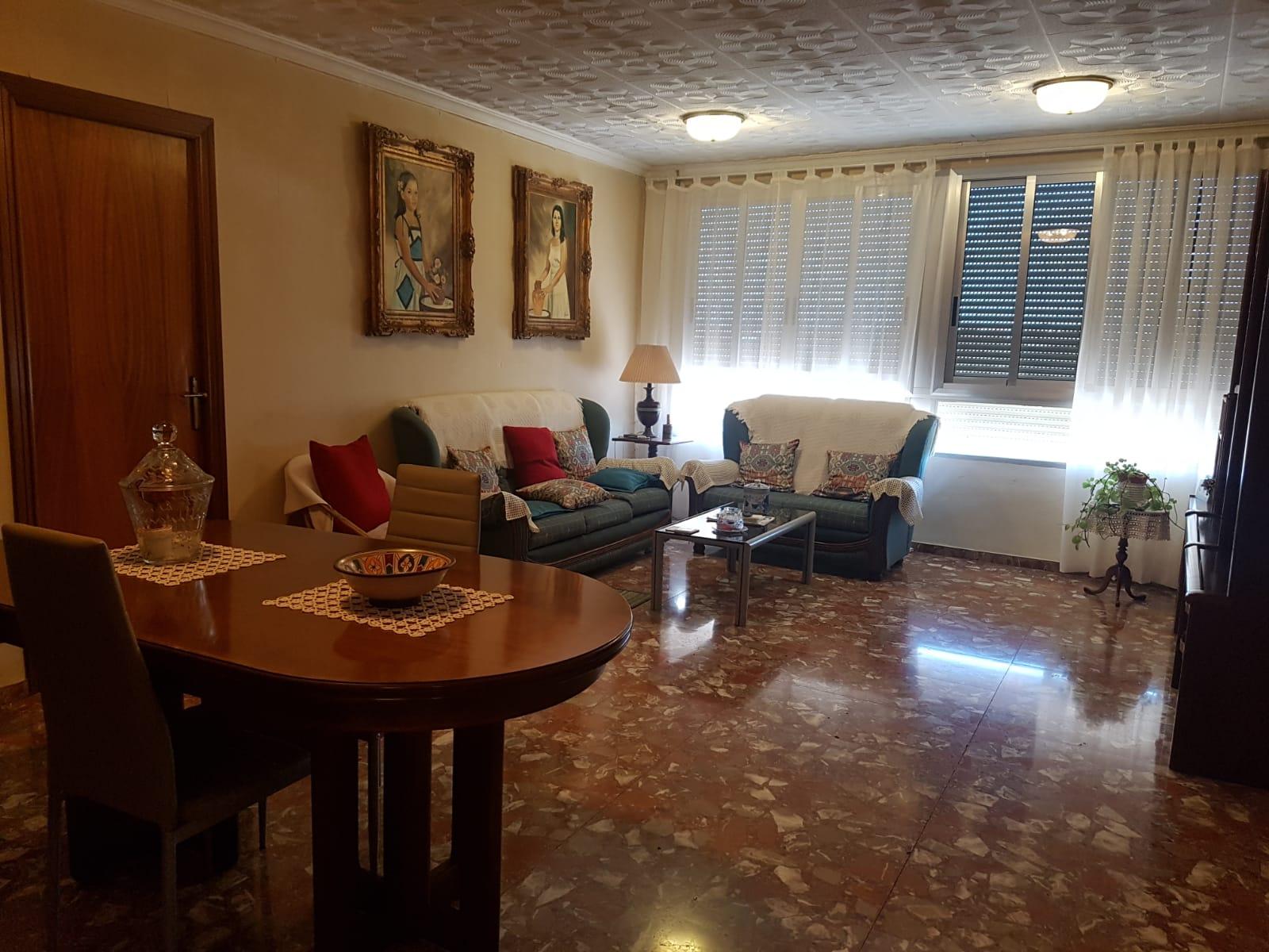 Vivienda unifamiliar muy amplia en Burriana (Castellón) zona Camino de Onda