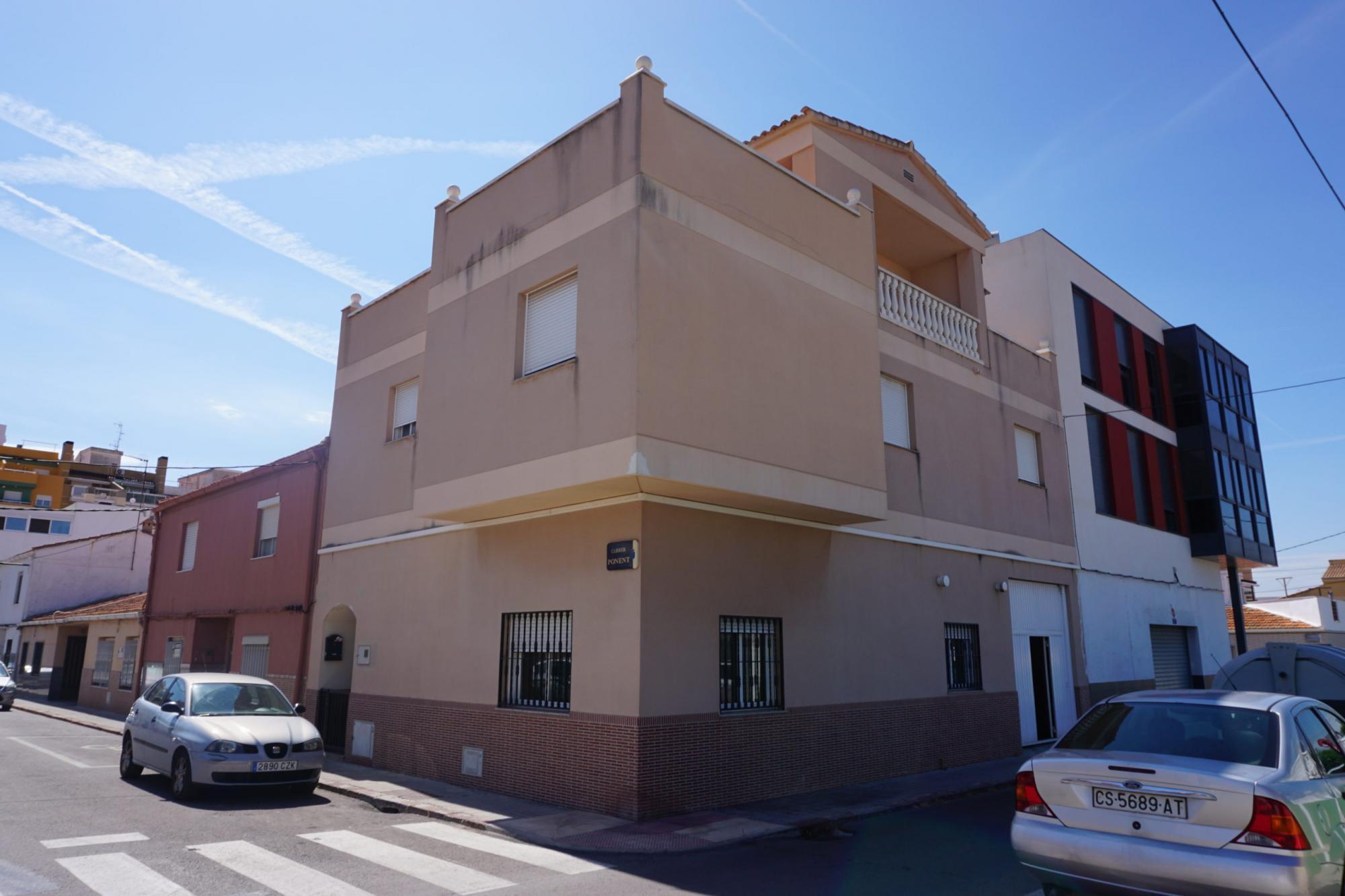 Chalet adosado en venta en Burriana (Castellón) zona puerto