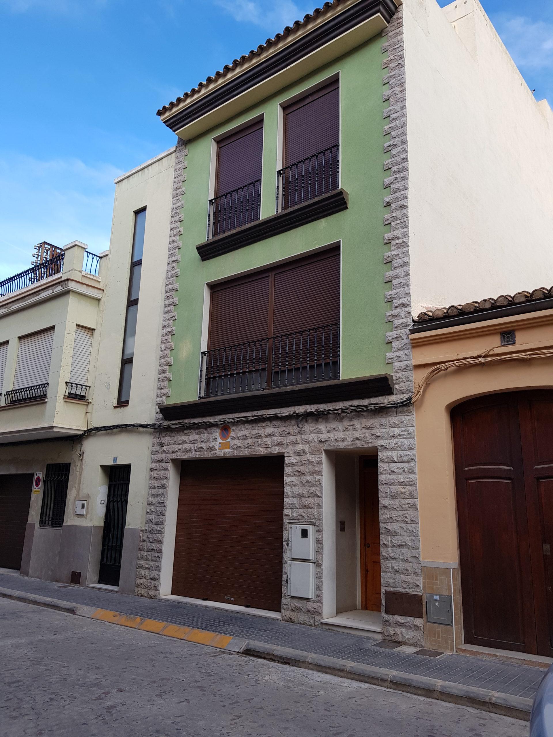 Venta de Casa Unifamiliar Adosada en Burriana (Castellón) Zona Centro